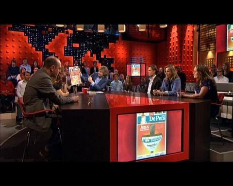 De afvaardiging van De Pers op 15 maart 2012 aan tafel bij De Wereld Draait Door om te praten over de doorstart.