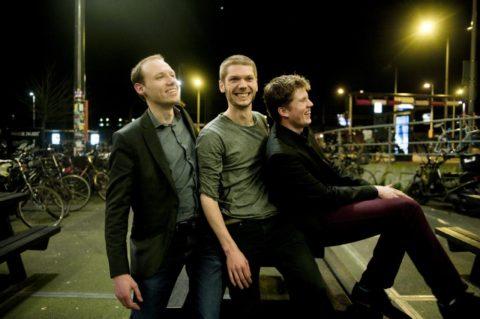 Erik Hormes (links), Sybren Kooistra en Huub Schuijn na het winnen van The Challenge in 2014.